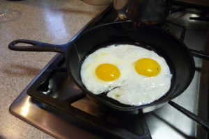 Cast Iron Cookware for Non-Toxic Cooking
